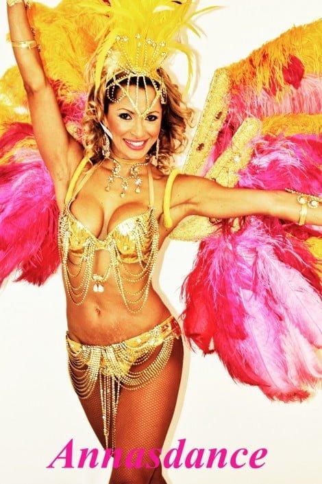 אנהסליה דה סילבה - להקת אנסדאנס - רקדנית ברזילאית