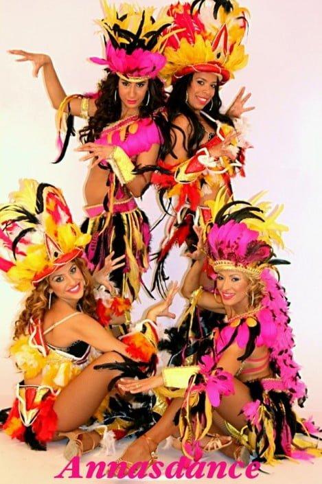 רקדניות ברזילאיות להקת אנסדאנס - אינדיאניות