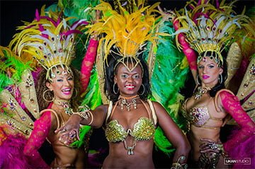 רקדניות סמבה ברזילאיות - תלבושות סמבה קרנבל ריו דה ז'ניירו