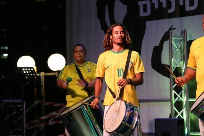 מתופפי בטוקדה - להקת סמבה ברזילאית - אנס דאנס
