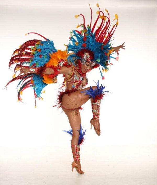 רקדניות אנסדאנס - להקת רקדניות ברזילאית של אנהסליה דה-סילבה