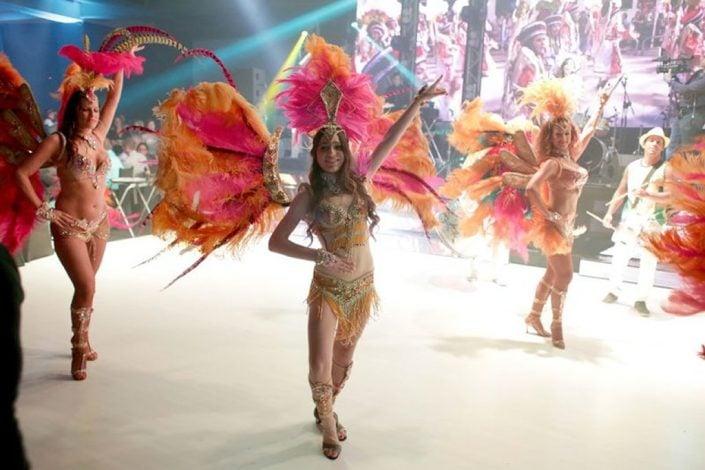 הופעה ברזילאית בבת מצווה עם רקדנים ורקדניות ברזילאיות של להקת אנסדאנס